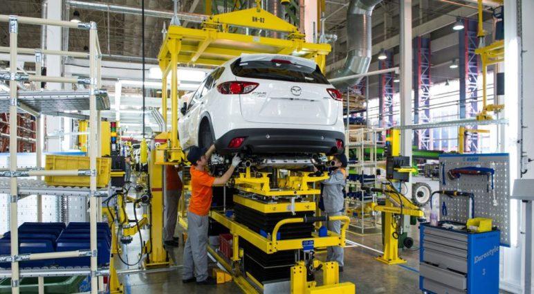 Mazda desmonta sus coches para evitar los costes arancelarios rusos